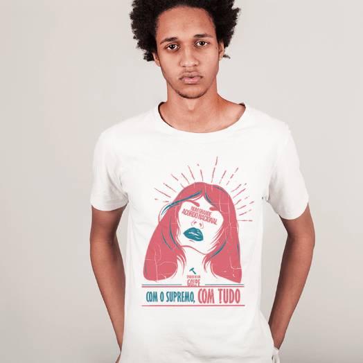 Camiseta Spoiler - Num grande acordo nacional, com o supremo com tudo Branca