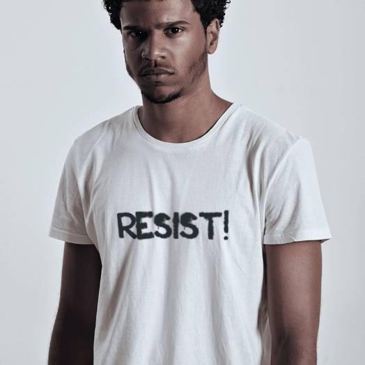 Camiseta Resist branca