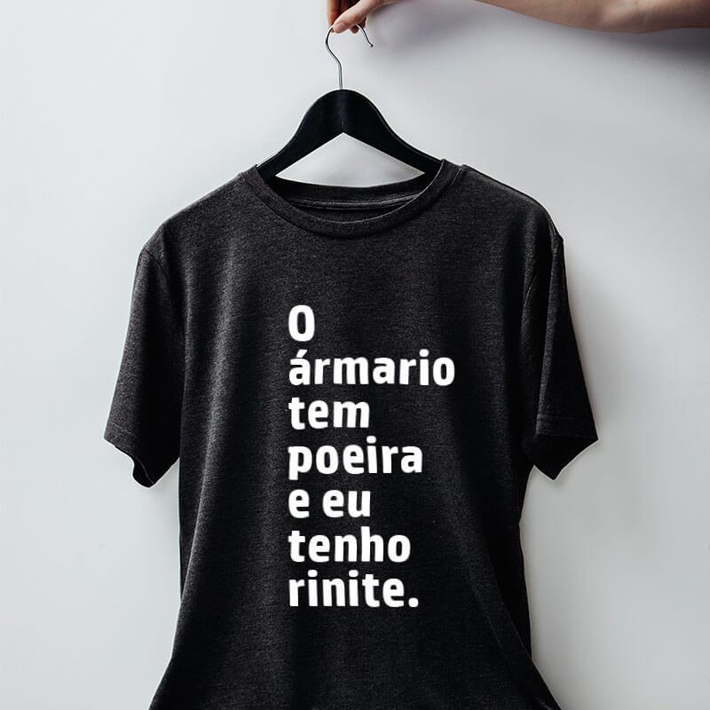 Camiseta-chumbo-O-armario-tem-poeira-e-eu-tenho-rinite