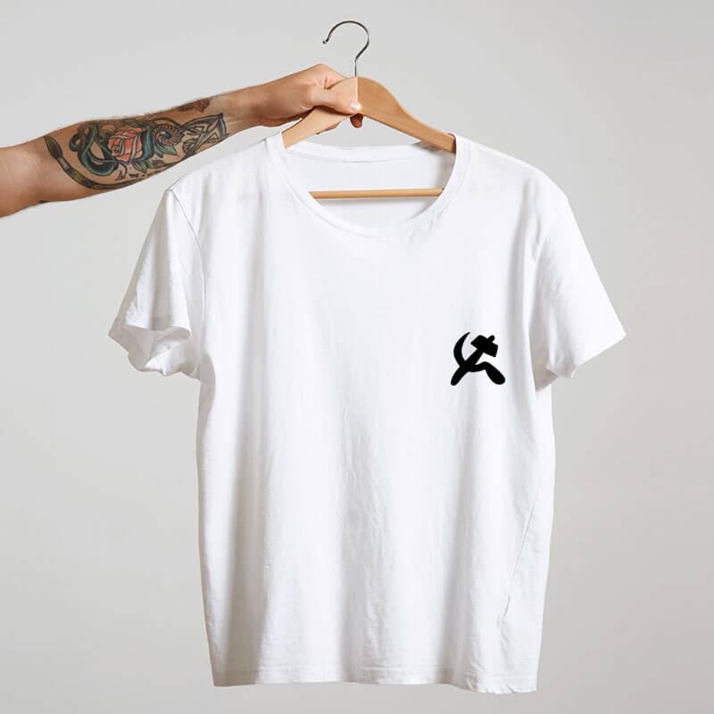 camiseta com escudo branca básica de algodão Comunismo