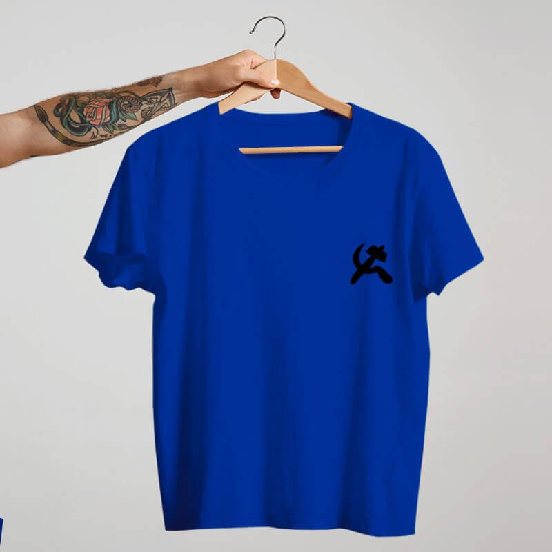 camiseta com escudo azul básica de algodão Comunismo
