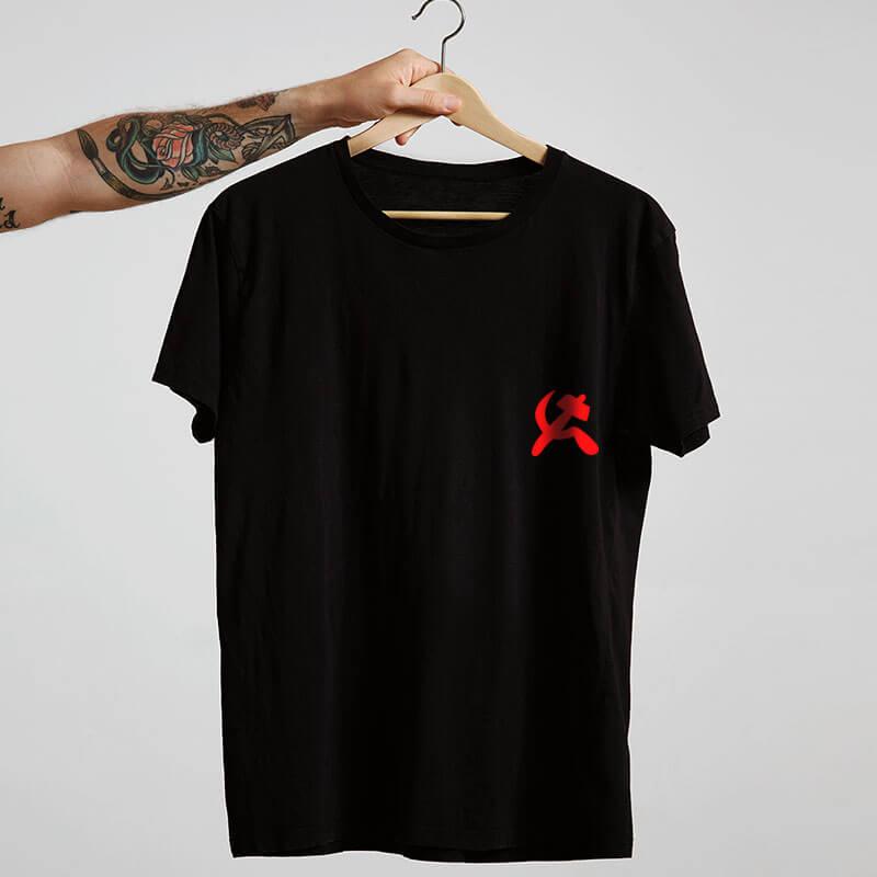 camiseta com escudo preta básica de algodão Comunismo