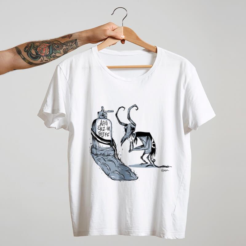 Camiseta estampada de algodão branca - Aqui jáz um blefe - Cartunista das cavernas