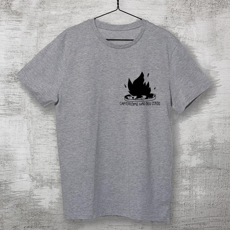 camiseta de algodão - escudo cinza mescla- O capitalismo não deu certo