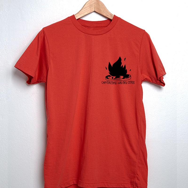 camiseta de algodão - escudo vermelho- O capitalismo não deu certo