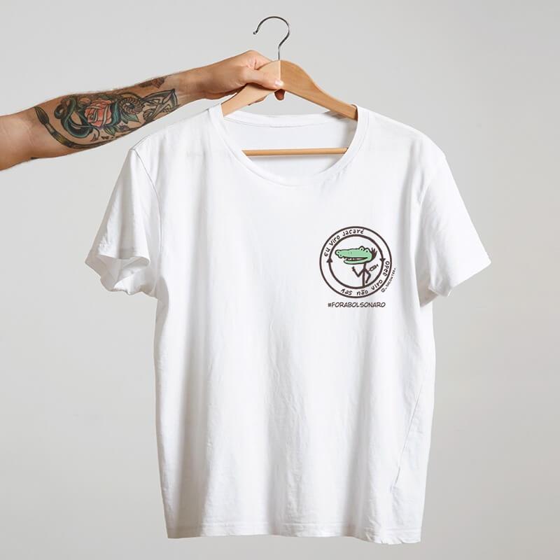 camiseta eu viro jacaré mas não viro gado escudo branco