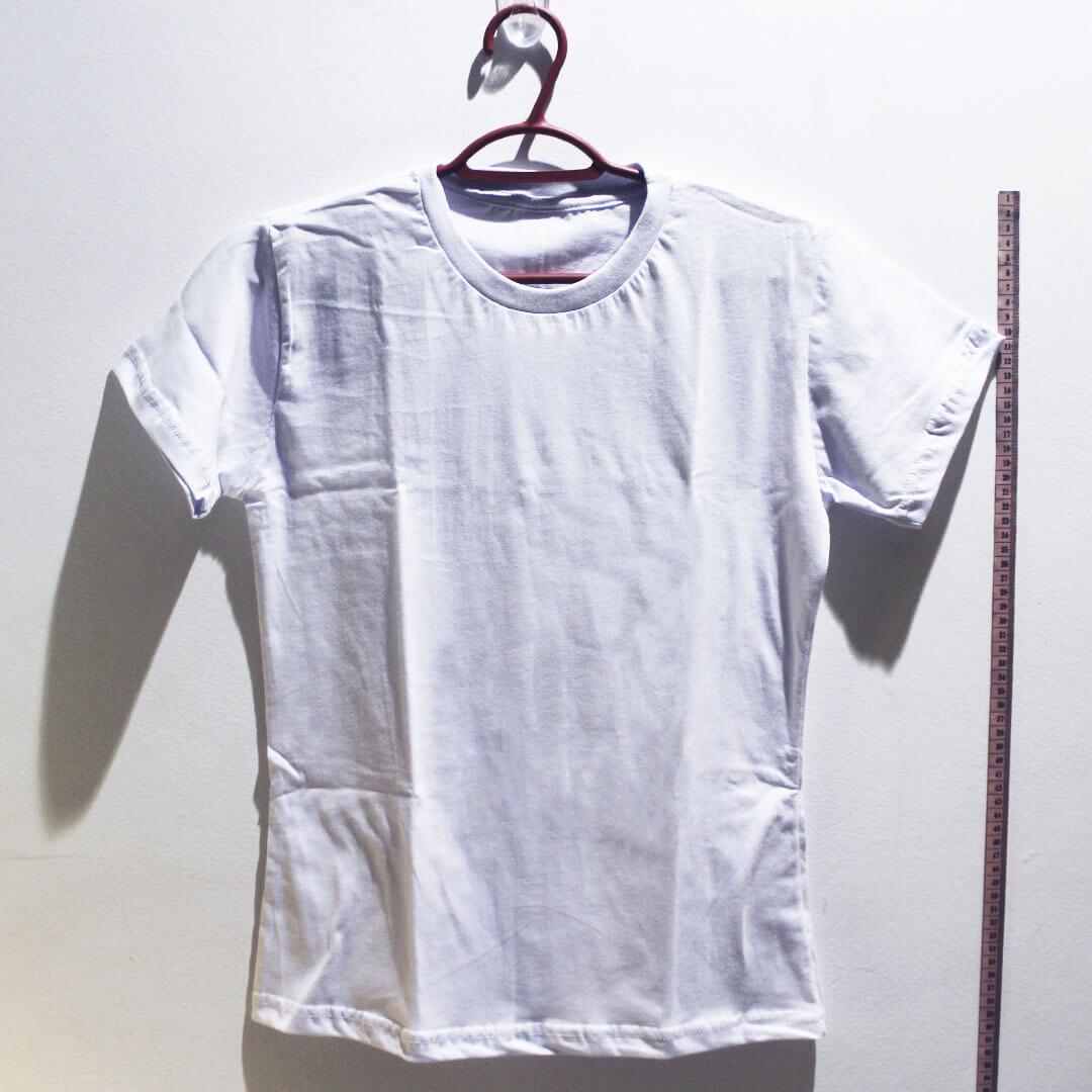 Camiseta baby look de algodão 30,1 penteada branca