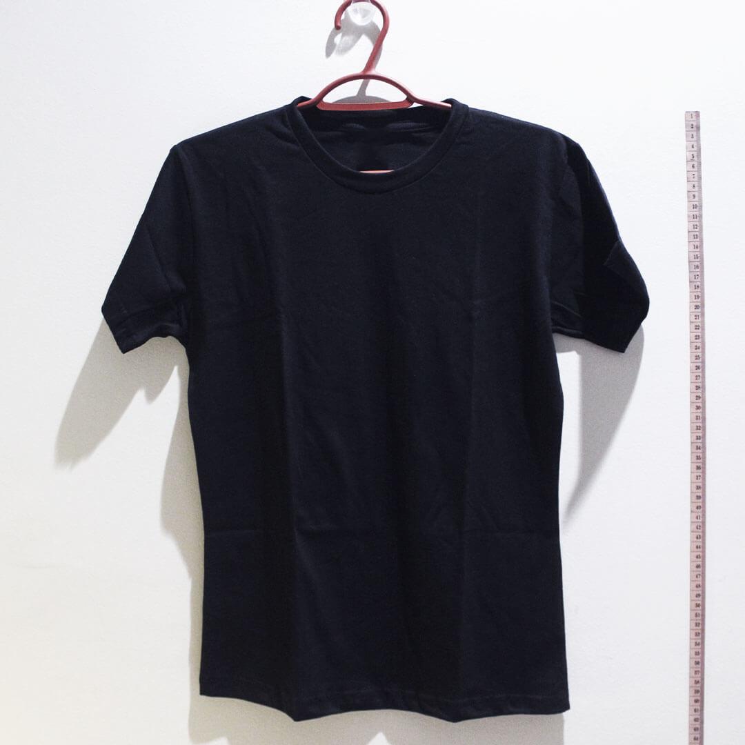 Camiseta baby look de algodão 30,1 penteada preta