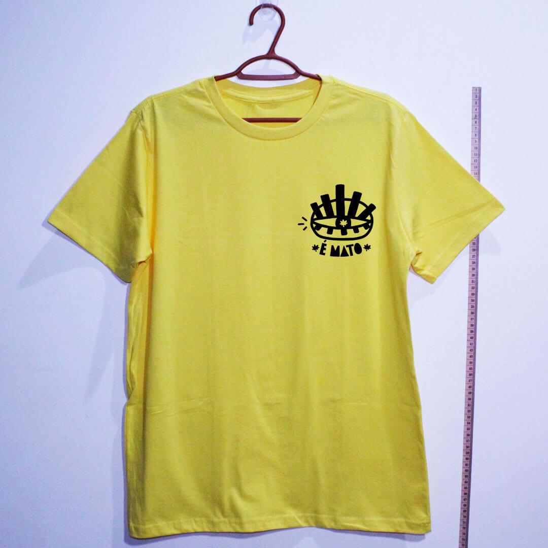 camiseta-amarela de algodão-emblema-cannabis