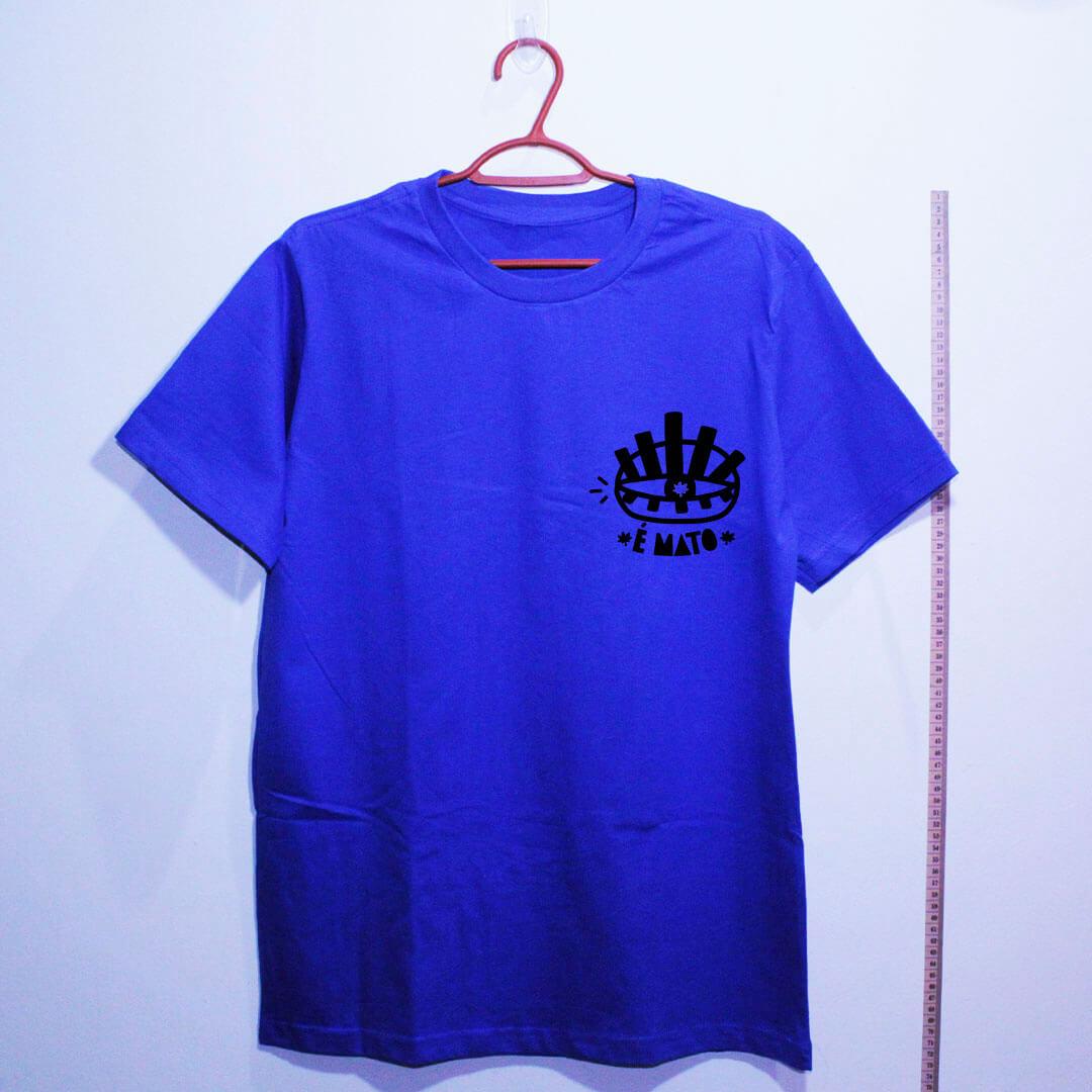 camiseta-azul de algodão-emblema-cannabis